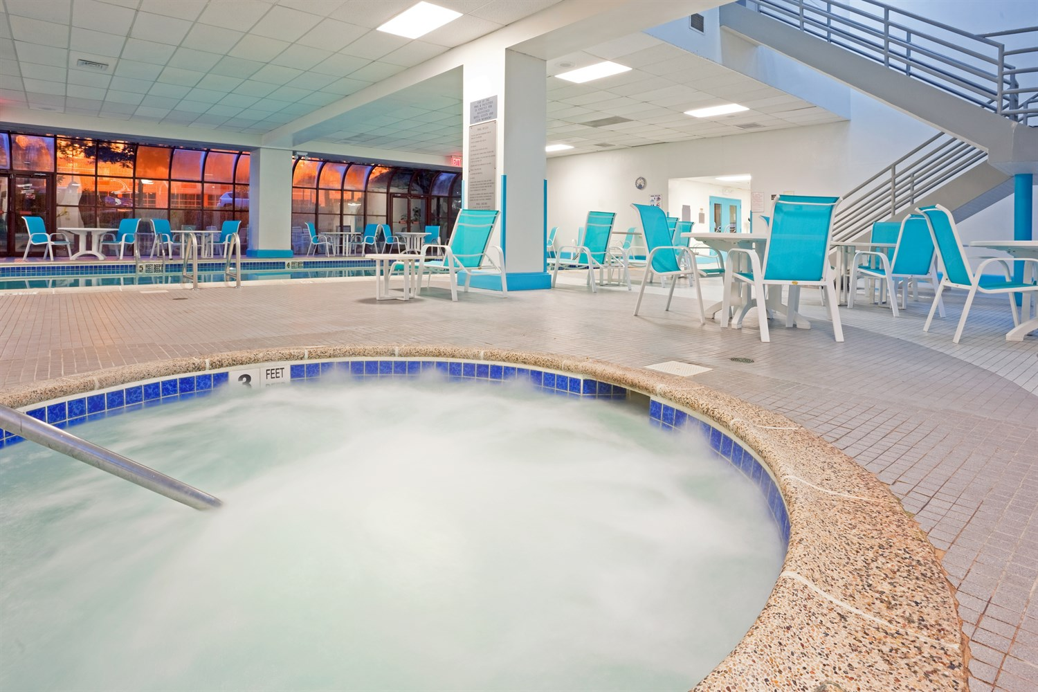 hotels with indoor pool near LGA